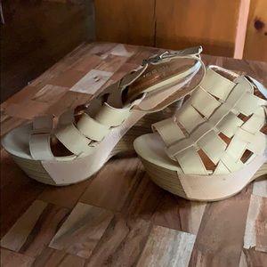 Bcbgeneration cream color platform shoes